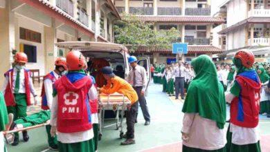 Photo of Al Azhar Solobaru Jateng Simulasi Bencana Gempa Bersama Basarnas Pos Solo