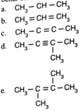 soal kekhasan atom karbon